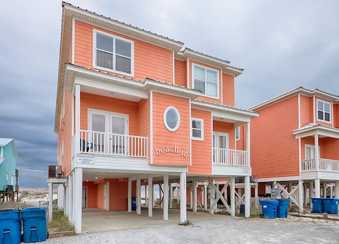 Fantastic Rates! BOOK NOW AND SAVE!*BEACHFRONT LOCATION!!!*SLEEPS 14*