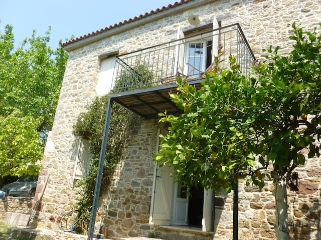 A charming farm on the Aegean Eubea - Euboea - Villa