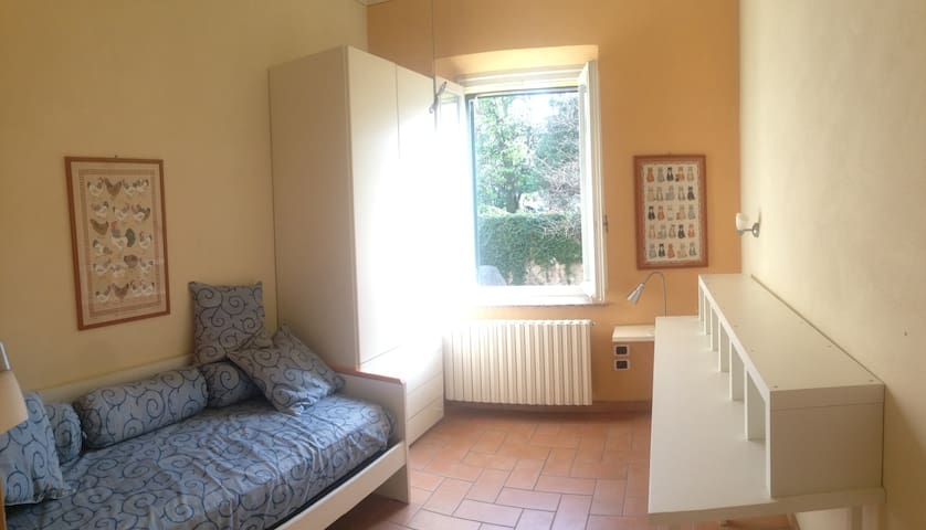 Cozy room just inside Lucca! - Lucca - Departamento