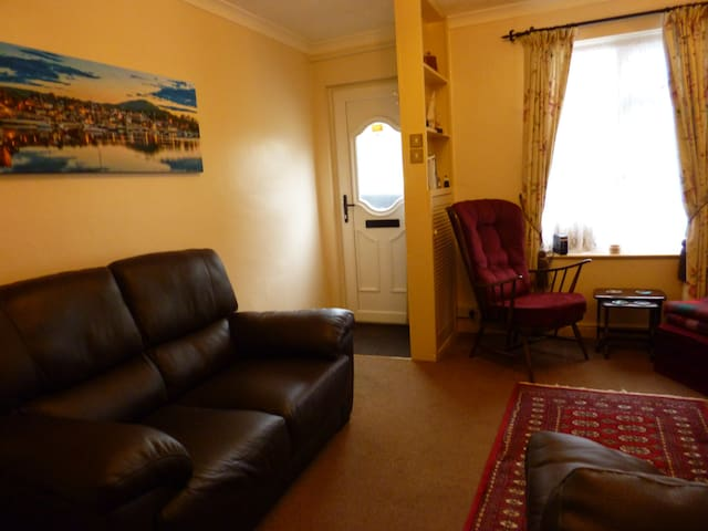Bryn Cottage cosy home from home with free Wi-Fi - Conwy - Hus
