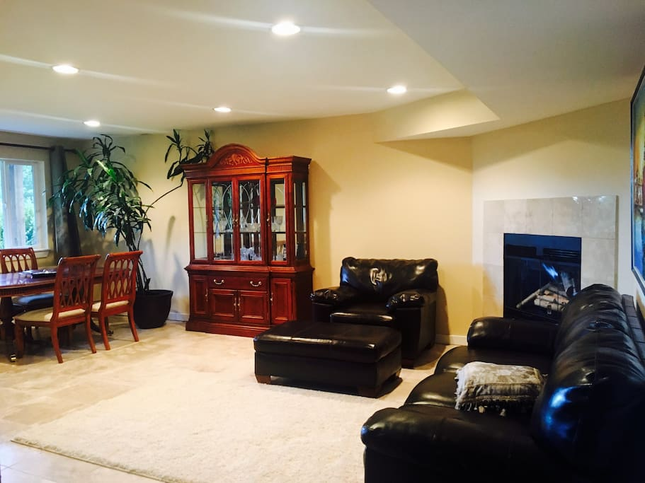 Extra fee for using a dining/ living room -  2 bedroom apartment