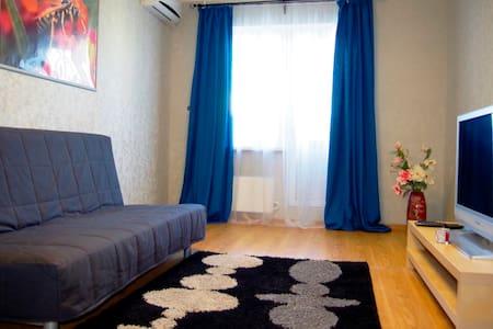 Clean and comfortable flat 999 m off the beach - Новороссийск
