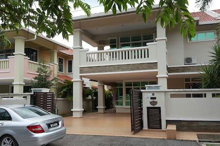 Cheng Semi-D Homestay Melaka - Melaka