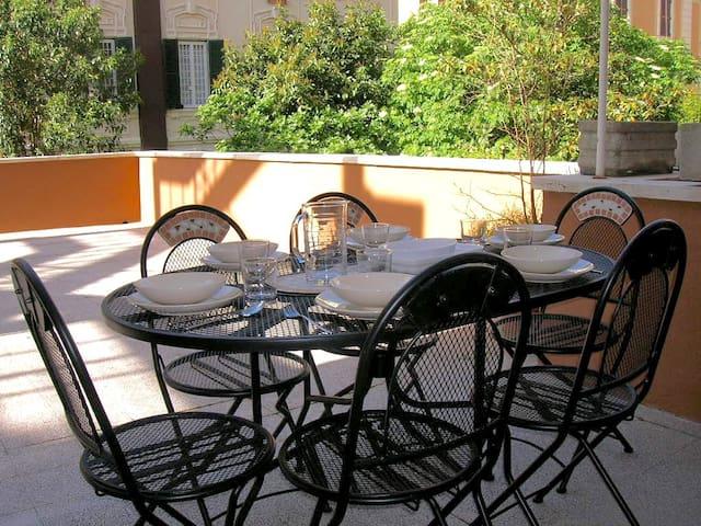 Large 2- bedroom apartment+ terrace near Vatican