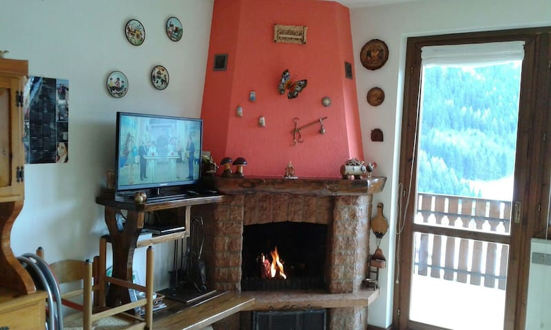 apartment with fireplace and attic - Boario Spiazzi - Apartament