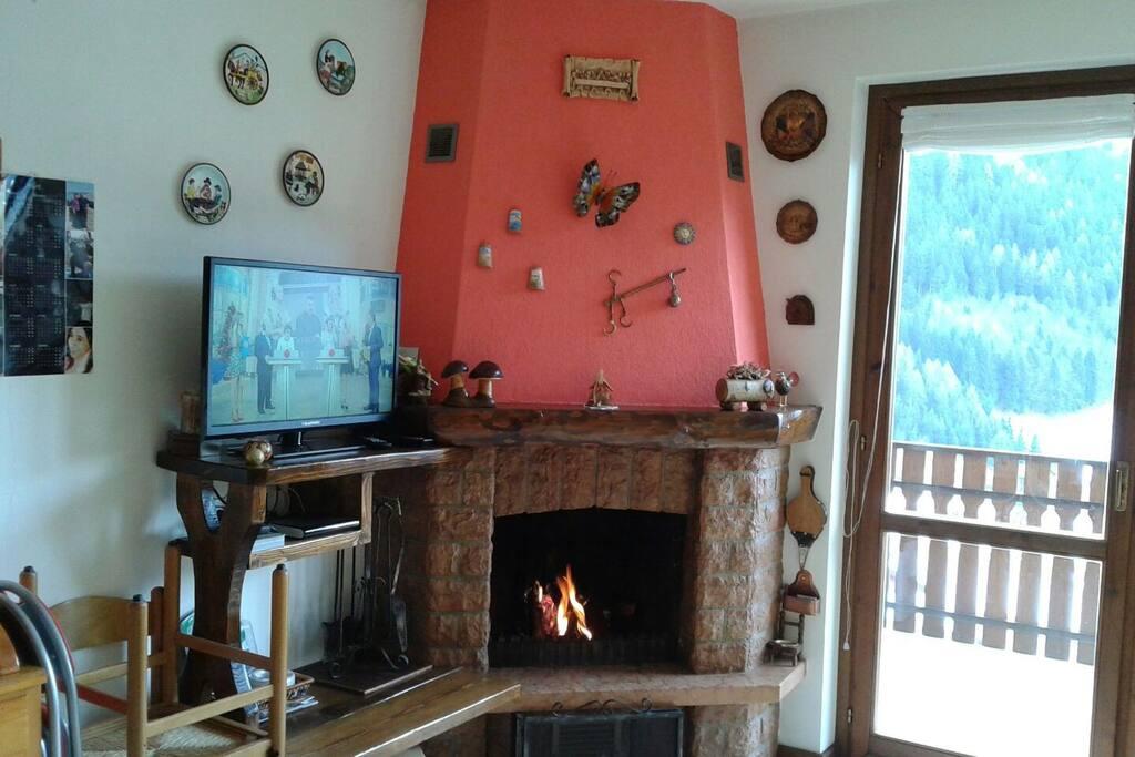 Appartamento con camino e mansarda - Appartamenti in affitto a Boario Spiazzi, Lombardia, Italia