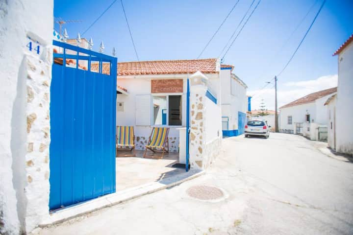 Surf Shack Ericeira -3 bedrooms -900m to the beach