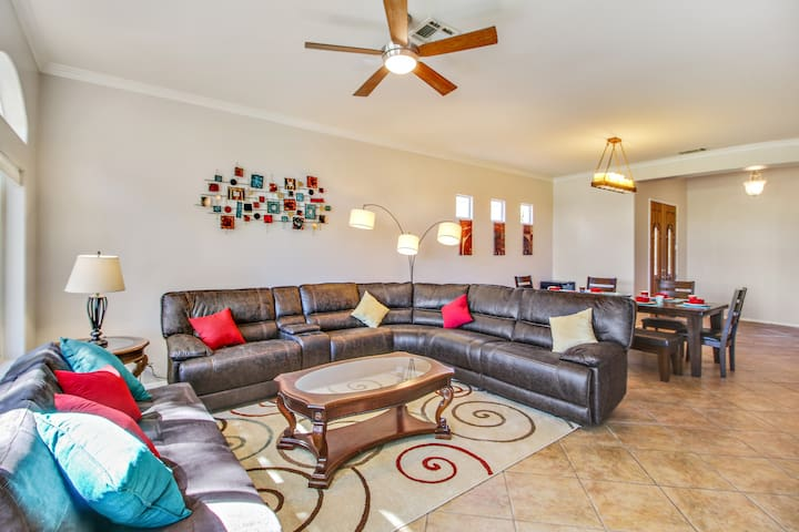 Relax with your friends and family in comfort and style. Reclining sofa and futon.