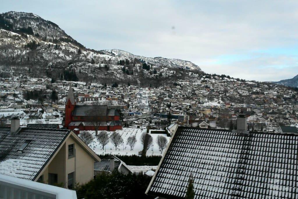 Utsikt mot Sogndalsfjøra