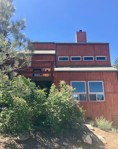 Serene Spa-like Retreat in Pine Mountain Club