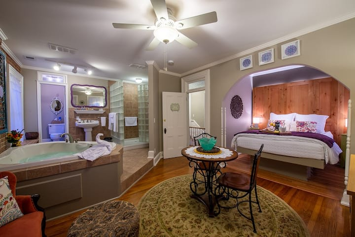 Colonel Park Suite - The Main Street Inn