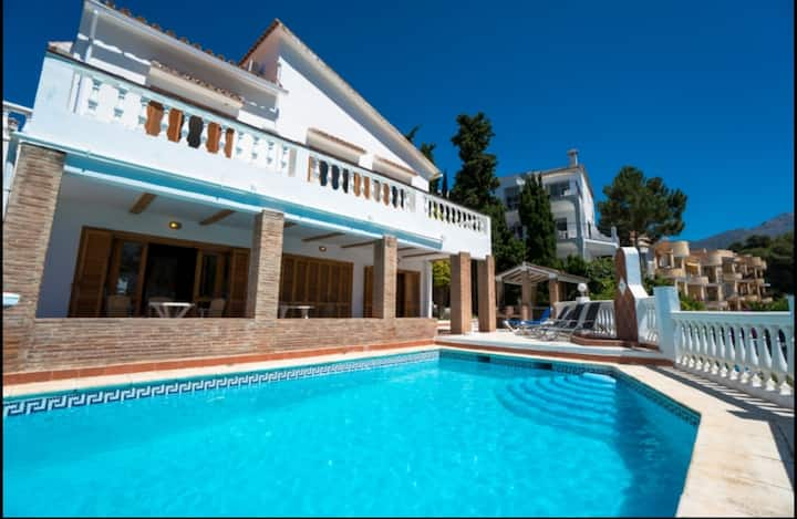 Colina 3 bedroom villa burriana great location