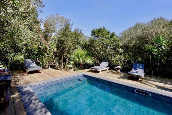 Villa with swimming pool at 5mn from Bonifacio
