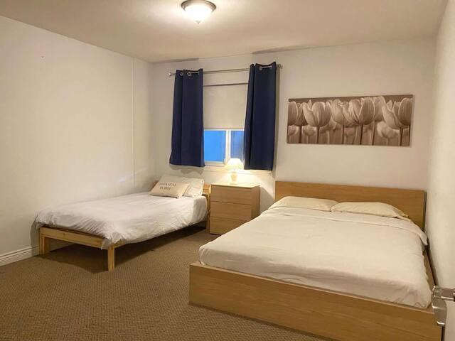 Bedroom B (Queen & twin size beds)