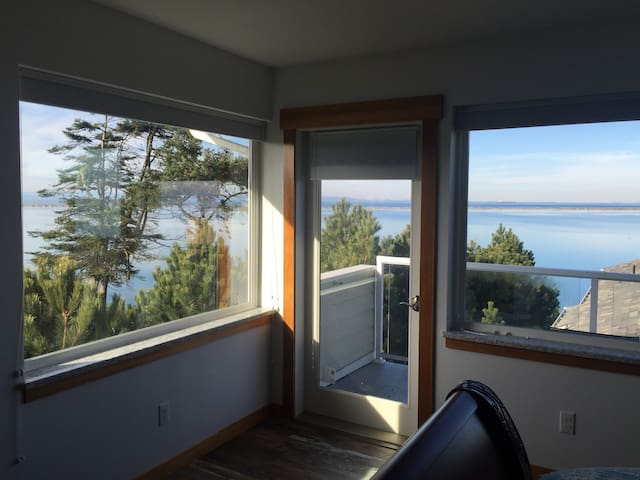 Beautiful Dungeness View 2 - Sequim - Bed & Breakfast