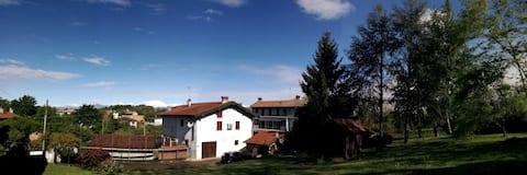 Country Corner / Lago Maggiore