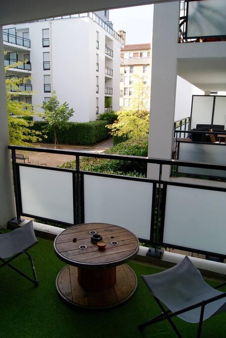 Appartement complet t2 avec garage appartements louer for Garage coquard lyon 7