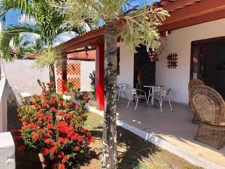 Casa em condomínio(Frente praia e Segurança 24h).