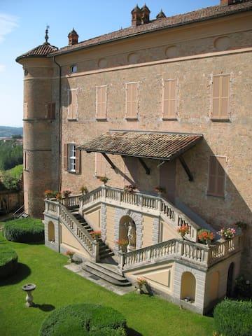Soggiornare in un castello nel Monferrato