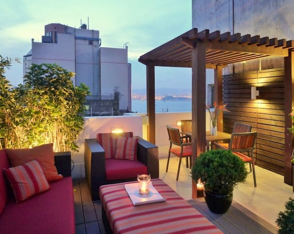 Private Rooftop in new Central Penthouse flat