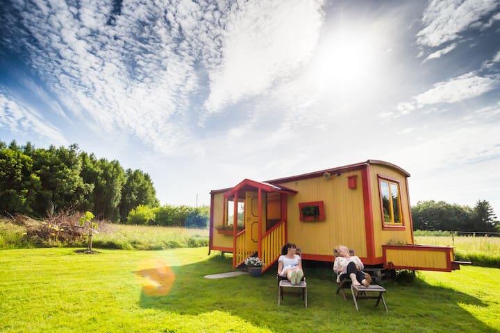 Unikt boende i en Cirkusvagn på prisbelönt B&B