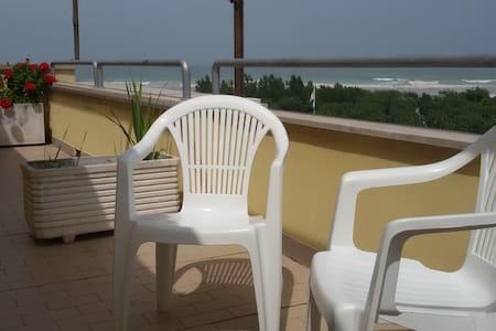 Luminoso e ampio appartamento a due passi dal mare - Porto Sant'Elpidio