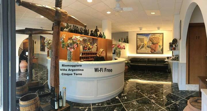 Villa Argentina    Free Wi - Fi    Condition Air