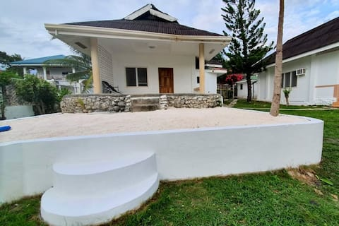Seaview bungalow with reliable WIFI