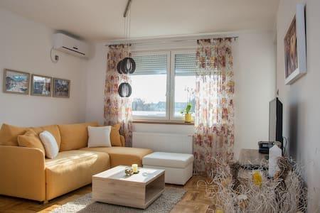 Apartman Rosa - at perfect location! Brand new!!! - Novi Sad - Appartement