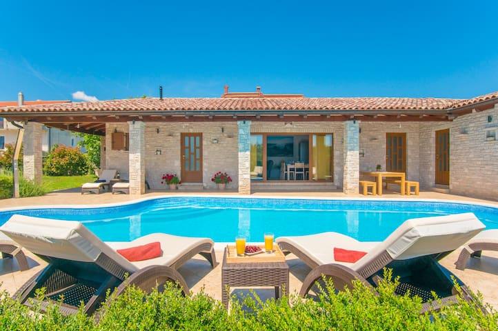 Villa Rina - Sunny Paradise - Manjadvorci - Villa