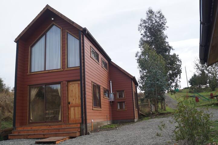 Cabaña amplia sector Llau-Llao, Castro-Chiloé