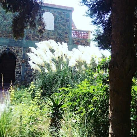 Villa avec piscine privee a louer