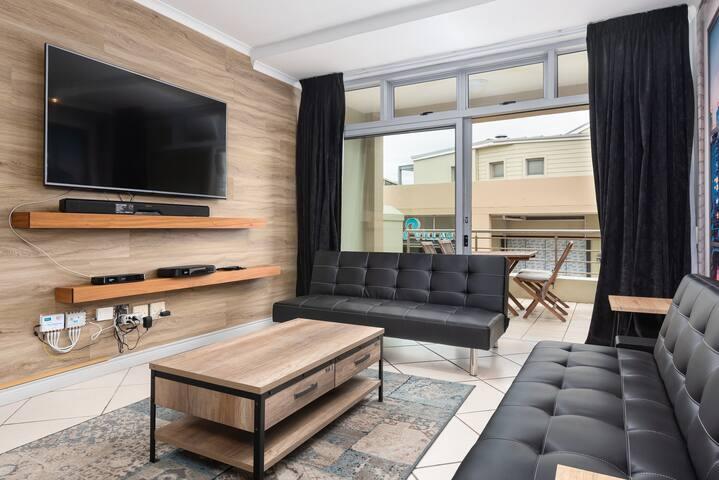 Spacious and Sleek Blouberg Apartment