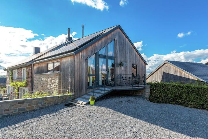 Idyllisches Ferienhaus in La Roche-en-Ardenne mit Garten