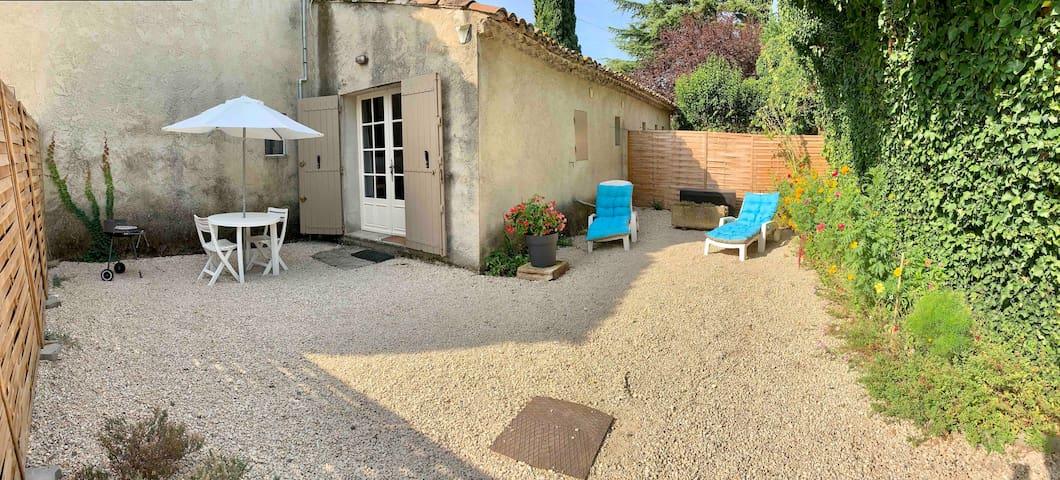 Logement avec jardin  entre Alpilles et Luberon