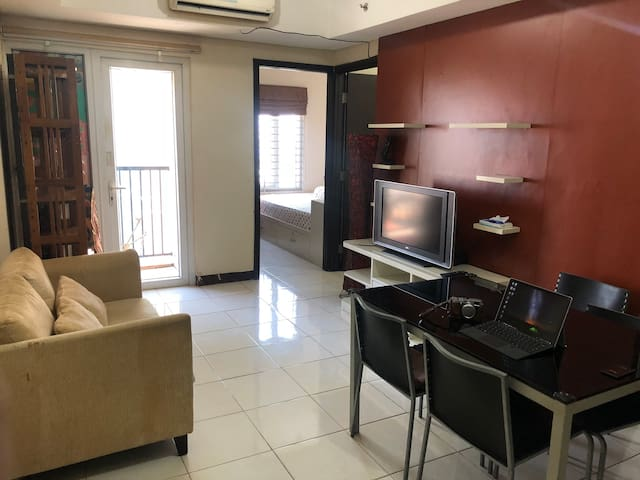 2 BR Central Jakarta,  minutes to anywhere