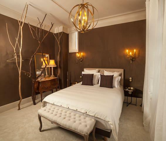 """Villa Alecya - Chambre """"L'après-midi d'un Faune"""""""