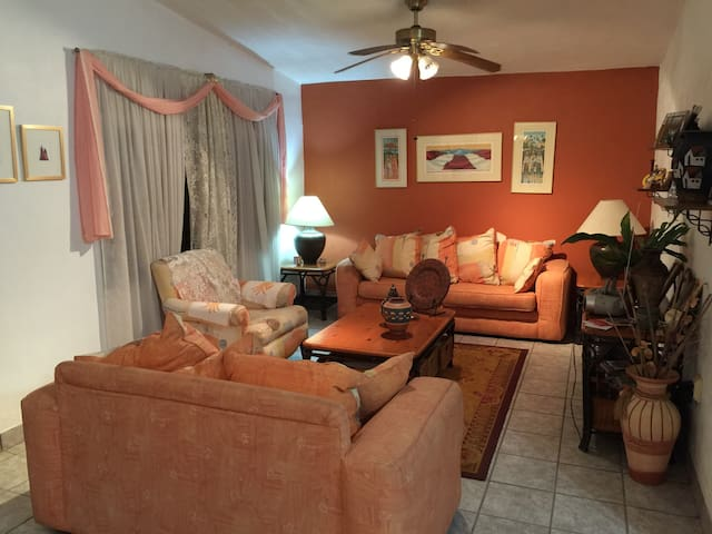 Genie's Bed & Breakfast - Orocovis  - Bed & Breakfast