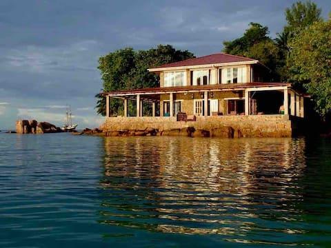 La Saline, Anse Possession Villa on the Sea