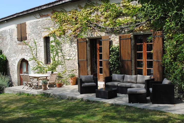 The Drouant is set in an ancient barn