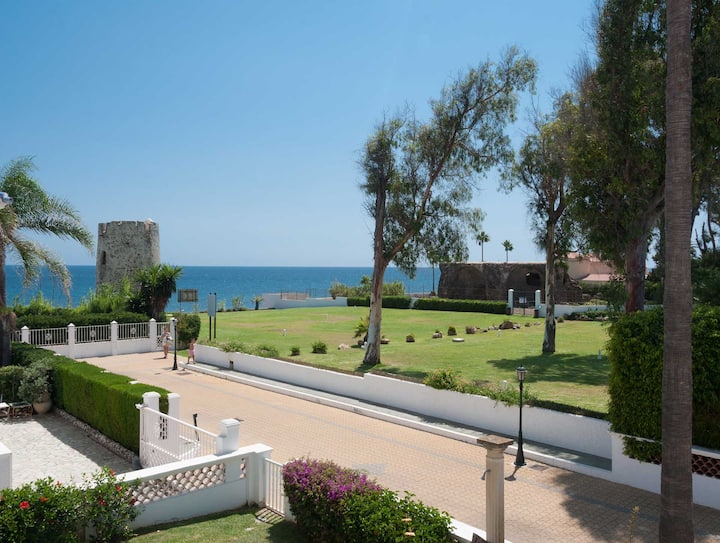 Lovely SeaFront Villa in Marbella  Area
