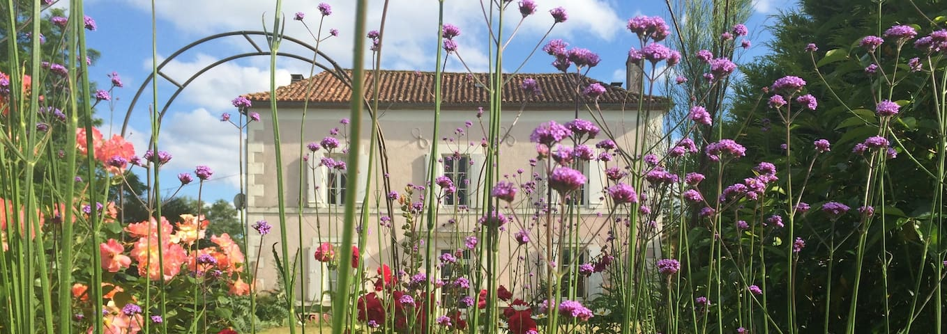 La Maison Rose Bed & Breakfast (Bedroom 1) - Mouzon
