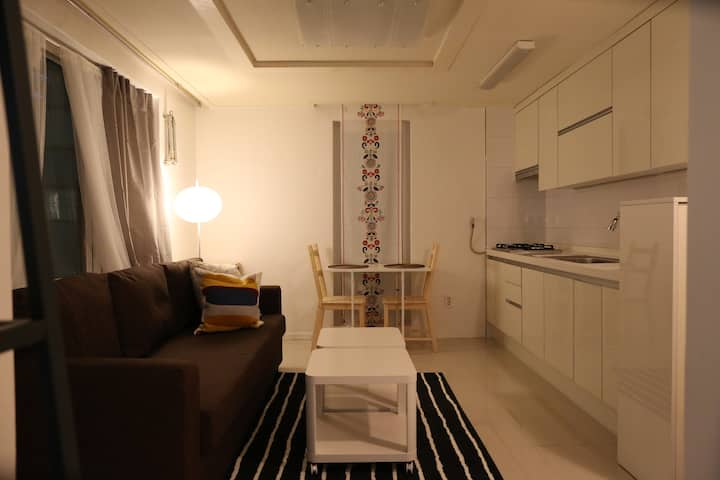 Unit #301: 1-bedroom in Garosugil Gangnam