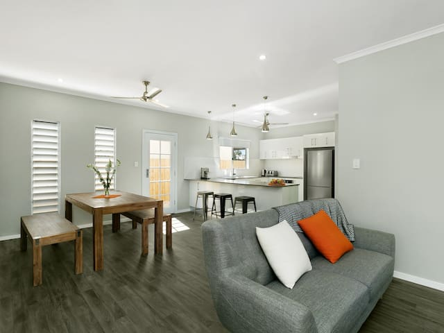 Estilo 1 - Private bathroom, 10min walk to city - Parramatta Park - Casa