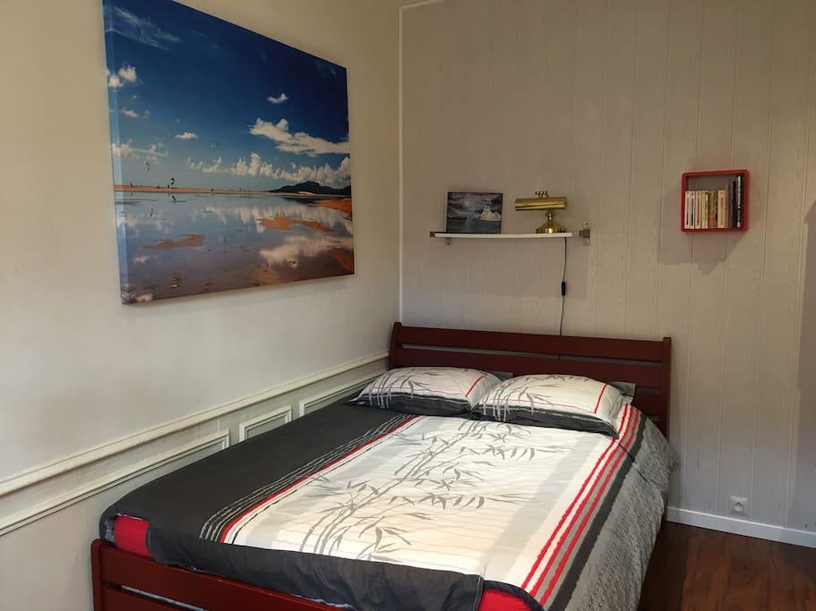 appart h tel niort centre melusine 1 appartamenti in affitto a niort poitou charentes francia. Black Bedroom Furniture Sets. Home Design Ideas