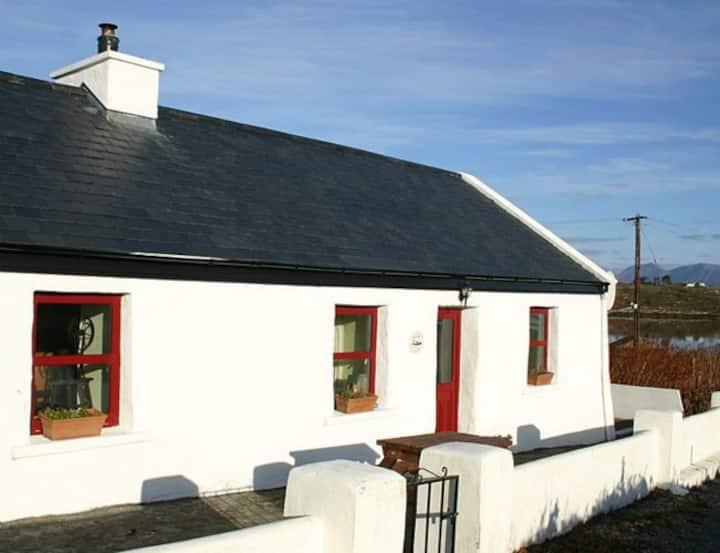 Roundstone 134 Seans Cottage Inishnee