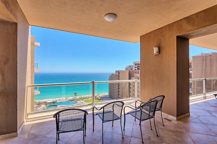 3 Bed Luxury Penthouse! Huge Patio, Ocean Views!