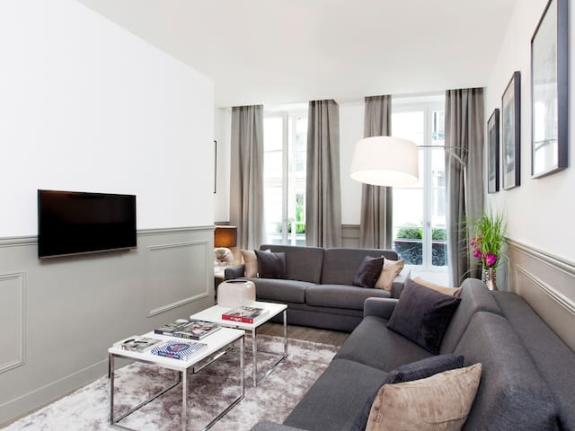 THE RESIDENCE - LUXURY 3 BEDROOM PARIS CENTER 3