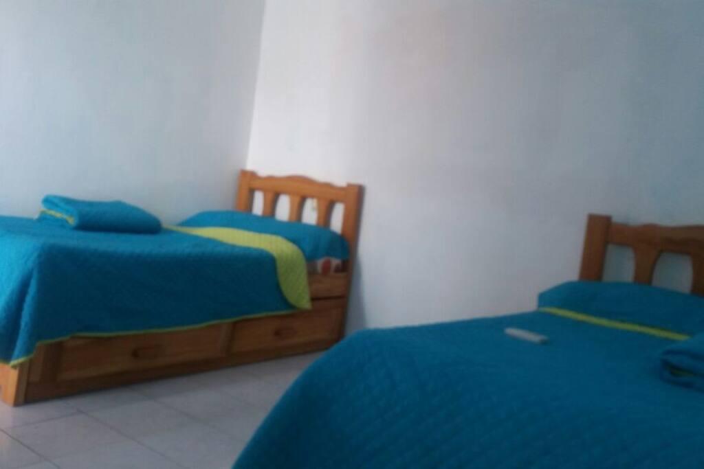 recámara 3  dos camas dobles ( 4 camas twin)