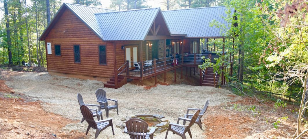 Staves and Steel Ranch Privacy of the Two King Master suites and Luxury Accommodations for up to 4 Guest!